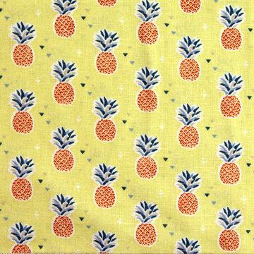 Ananassen op geel