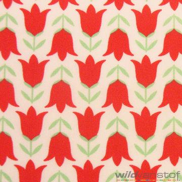 Rode bloemen op wit