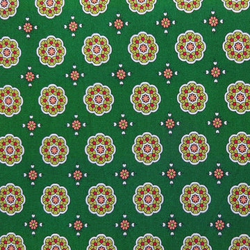 Viscose - Fijn bloemenpatroon op groen